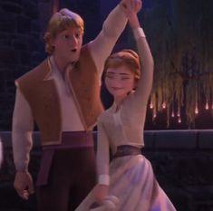 Kristoff and Anna dancing. Frozen Short, Frozen Two, Disney Frozen 2, Disney Fun, Disney Magic, Disney Movies, Movie Couples, Disney Couples, Cute Couples