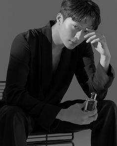 Image may contain: one or more people, people sitting and indoor Korean Face, Korean Men, High Cut Korea, Kwon Hyunbin, Handsome Korean Actors, Joo Hyuk, Asian Hotties, Jong Suk, Kdrama Actors