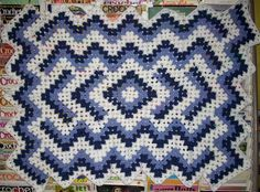 Granny square afgan with pattern