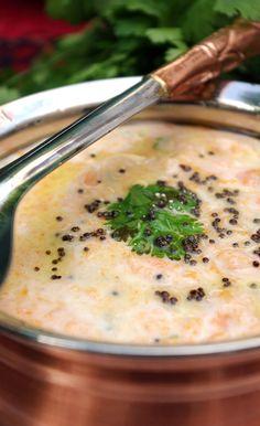 Recette de raita aux carottes indien en vidéo Bonjour et bienvenue dans mon blog cuisine . Aujourd'hui nous allons préparer un raita de carottes . Au lieu d'utiliser des graines de cumin, aujourd'hui nous allons donner un goût avec les graines de moutarde...
