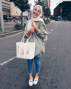 "9,604 Likes, 115 Comments - @sauf.etc on Instagram: "" #hijabfashion"""
