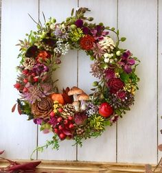 Christmas Flowers, Christmas Wreaths, Christmas Decorations, Halloween Wreaths, Happy Halloween, Halloween Halloween, Vintage Halloween, Halloween Makeup, Halloween Costumes