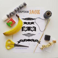 Traktatie gezond banaan piratenboot piraat meeneem Kids Birthday Treats, Boy Birthday, Baby Food Recipes, New Recipes, Partying Hard, Food Crafts, Pirate Party, Craft Gifts, Kids Meals