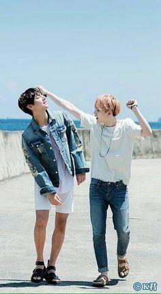 So cute when they're together vga/taegi BTS v suga Kim Namjoon, Bts Suga, Bts Bangtan Boy, Bts Taehyung, Bts Boys, Foto Bts, Bts Photo, Namjin, K Pop
