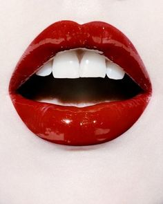 rote Lippen.