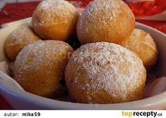 Smetanové koblihy recept - TopRecepty.cz Desert Recipes, Pretzel Bites, Hamburger, Bread, Baking, Sweet, Food, Candy, Brot