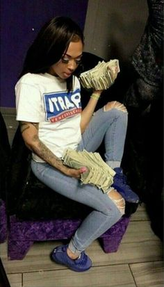 just fucking fllw me Cash Money, Mo Money, How To Get Money, Thug Girl, Money On My Mind, Money Stacks, Gangster Girl, Bad Girl Aesthetic, Baddies