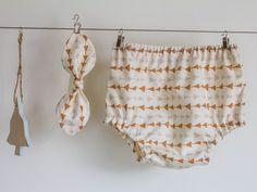 Windelhosen+mit+Stirnband+für+Mädchen+von+TIEN+MIEP+Handmade+Boutique+auf+DaWanda.com
