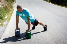 The Kettlebell Movements Body Workouts Are Often Heralded As A Fantastic Way To Train. The kettlebell training tool gives you the ability to train the body. Kettlebell Training, Kettlebell Ab Workout, Hiit Abs, Kettlebell Benefits, Abs Workout Video, Abs Workout Routines, Kettlebell Routines, Workouts For Teens, Easy Workouts