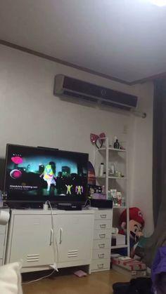 we life is good Seokjin, Hoseok, Foto Bts, Bts Photo, Bts Jin, Bts Taehyung, Bts Memes, Kpop, Les Bts