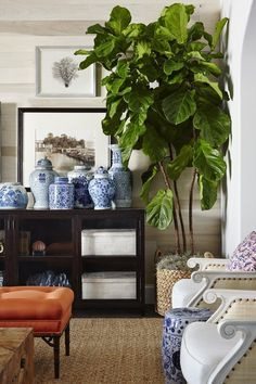 Fabulous interior design by Summer Thornton with blue and white Chinoiserie porcelains