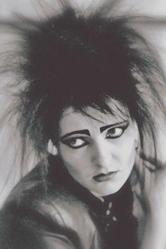 Siouxsie And The Banshees Siouxsie Sioux, Siouxsie & The Banshees, New Wave Artists, Music Artists, Punk Rock Girls, Punk Poster, Dark Evil, Black Planet, Punk Goth