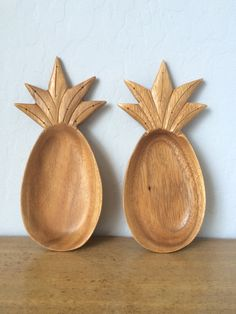vintage pineapple dishes wood set of two by BlueEyedOwl on Etsy, $12.00