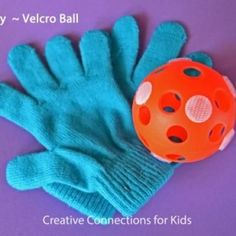How simple is creating this Velcro Ball game? It'll get the kids outside and make use of those winter gloves sitting in the closet!- Little Passports #littlepassports #kidscraft #velcroball #summergame