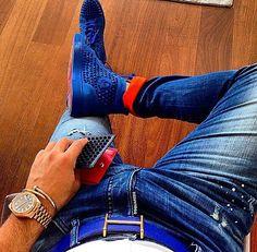 MTD Style / @dsquared2 jeans - Christian Louboutin sneakers and purse - @rolex - @hermesofficial belt - @cartier bracelet