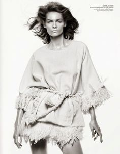 Fashion photographer David Sims teams up with fashion editor Emmanuelle Alt, and stylists Suzanne Koller and Joe Mckenna for the cover story of Vogue Paris David Sims, Vogue Paris, White Fashion, Trendy Fashion, Fashion Spring, Fashion Photography Inspiration, Style Inspiration, Mode Editorials, Fashion Editorials