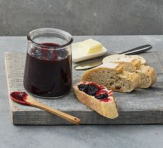 Make the most of damsons in the summer with this sweet and fruity damson jam. Serve with crusty bread, or try as a filling in your favourites cakes and bakes Plum Jam Recipes, Chutney Recipes, Bbc Good Food Recipes, Cooking Recipes, Drink Recipes, Damson Jam, How To Make Jam, Vegetable Drinks, Veggie Meals