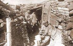 Duitse soldaten in een loopgraaf bij Hill 60 in 1915. Yper (spoorlijn64.be)