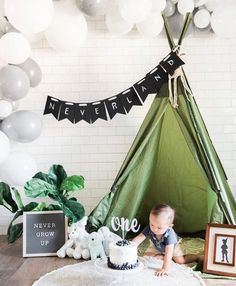 Modern Indoor Peter Pan Neverland Cake Smash in El Paso – El Paso Photographer Boys First Birthday Party Ideas, One Year Birthday, Wild One Birthday Party, Birthday Themes For Boys, Baby Boy First Birthday, Boy Birthday Parties, Birthday Cake, Fête Peter Pan, Peter Pan Party