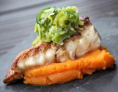Morue poëlée La morue fait partie de l'histoire du Québec. Poisson emblématique de la pêche en haute mer, un poisson fragile, délicat et de plus en plus rare. Voici donc, une recette simplissime avec un des poissons les plus divins qui soient. Ainsi soit-il!