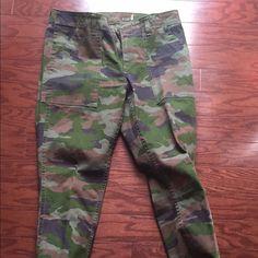 J Crew Como Pants J Crew Camo Skinny Pants Size 4 J. Crew Pants Skinny