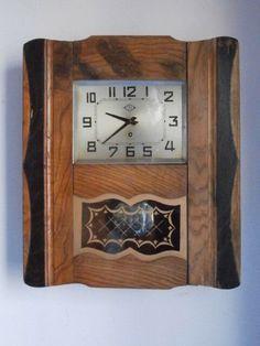 8c08acc22c21 Antiguo Reloj Mecánico De Pared Francés De Péndulo Cuerda 15 Días Años 1930  1940 • 59.87