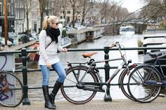 Outfit: Exploring Amsterdam - Bits and Bobs by Evahttp://www.bitsandbobsbyeva.com/fashion/outfit-exploring-amsterdam/