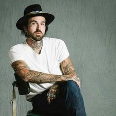 He's that cool #slumericanshit Yelawolf, Good Looking Men, Future Husband, Alabama, I Can, Eye Candy, How To Look Better, Hipster, Cool Stuff