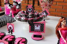 ChacomigoEventos: Festa da Barbie New Age - Pink e Preto - 6 Anos Manuela