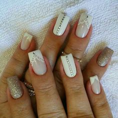 50 Top Best Wedding Nail Art Designs to Get Inspired Bridal Nails, Wedding Nails, Silver Glitter Nails, Blonde Hair With Highlights, Painted Nail Art, Blue Makeup, Ombre Hair, Christmas Nails, Nail Care