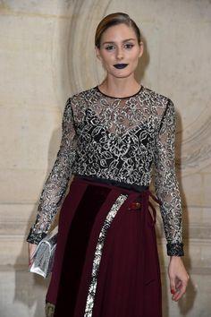 Macht den blauen Lippenstift Salonfähig: Stilikone Olivia Palermo während der Paris Fashion Week