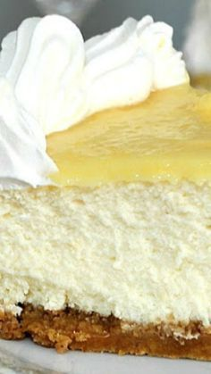 Triple Lemon Cheesecake topped with Lemon Curd ~ recipe comes from the cookbook Luscious Lemon Desserts Creamy, delicious cheesecake made with lemon zest, juice and topped with lemon curd. A perfect balance of tart and sweetness on a graham cracker crust. Lemon Desserts, Lemon Recipes, No Bake Desserts, Just Desserts, Sweet Recipes, Delicious Desserts, Dessert Recipes, Yummy Food, Cheesecake Desserts
