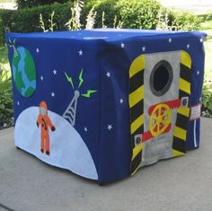 outer space felt card table playhouse. Can make more girly for Scarlett