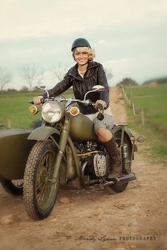 This is the bike for me. Sidecar and all. Olive green, yes!