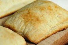 homemade Pizza Pockets http://www.yummly.com/recipe/Pizza-Pockets-Food_com-110158