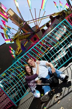 did you go to a fair for your first date? or you just love fairs and carnivals? do you engagement session at one.