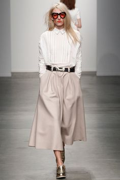 Unapologetically loving these Karen Walker cullottes from her Fall 2014 Ready-to-Wear Collection (via Style.com )
