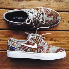 This Nike ID Pendleton Stefan Janoski pro model is absolutely buttery. This Nike ID Pendleton Stefan Janoski pro model is absolutely buttery. Nike Air Max, Nike Air Force, Nike Free Shoes, Running Shoes Nike, Janoski Nike, Half Price Nikes, Camille Callen, Nike Free Runners, Nike Id