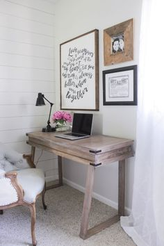 Charmant Corner Bedroom Rustic Desk With A White Washed Weathered Wood Finish  Similar To RH