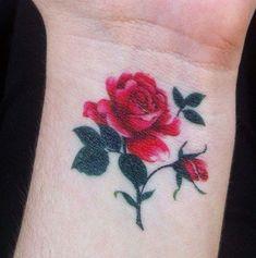 Tatuagem de Rosa | Pulso Realista