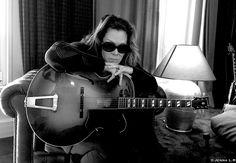 """Today, Beth Hart était en promotion au Show-Room Gibson pour la sortie de """" FIre On The Floor """" déjà dans les bacs chez Mascot Label Group / Provogue Records.  Son message : https://youtu.be/2clKorZYNKQ"""