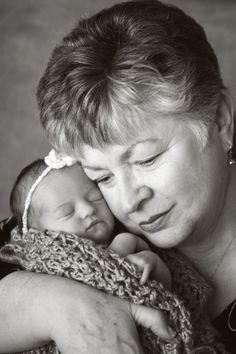 it's always autumn - itsalwaysautumn - photograph: take great photos of your newborn baby {pt 3: posing baby with familymembers}