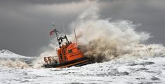 Tempête Ciara : les images les plus impressionnantes en Europe Sea Storm, Europe, France, Inktober, Train, Images, Alps, North West, Fantasy Landscape