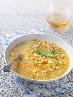 pois chiche, thym, bicarbonate, oignon, huile d'olive, ail, persil, céleri