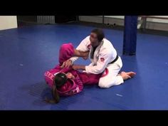 In this instructional video you will watch 3 different ways to pass the Spider Guard.