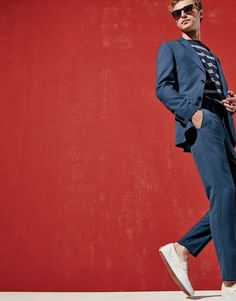 What we do at J.Crew: superb suiting. Two fits—the slim Ludlow and our athletic Crosby—in fabrics from the Lanificio di Tollegno mill make for a suiting collection you'll want to collect.