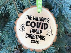 Wooden Christmas Crafts, Family Christmas Ornaments, Handmade Christmas Gifts, Personalized Christmas Ornaments, Christmas Signs, Christmas Projects, Holiday Crafts, Christmas Holidays, Christmas Ideas