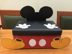 Mickey Mouse Valentine's Day box.