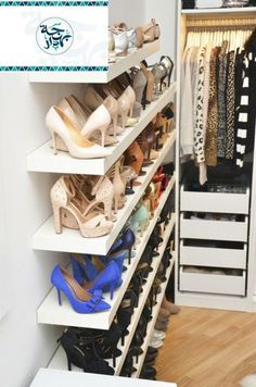 Great way to organize shoes. Except I don't own many shoes at all. I'd use this space to display my many handbags.