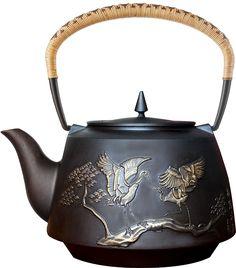 Amazon.com   Taku Longevity Cast Iron Teapot 2.1 Qt Golden Edition: Teapots